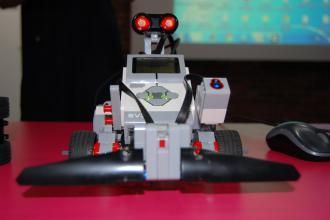 У Рівному дітей вчитимуть програмувати роботів. Прес-анонс