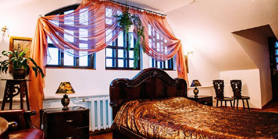 про готель, «Antique House»(готель)