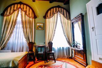 про готель, «Antique House»(готель) фото #4