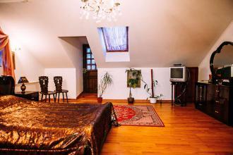 про готель, «Antique House»(готель) фото #2